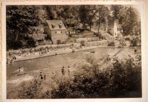Blick auf Freibad und die Gaststätte Sommerbad