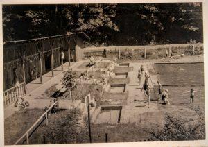 Freibad Gräfenberg in der Anfangszeit. Noch ohne Biergarten