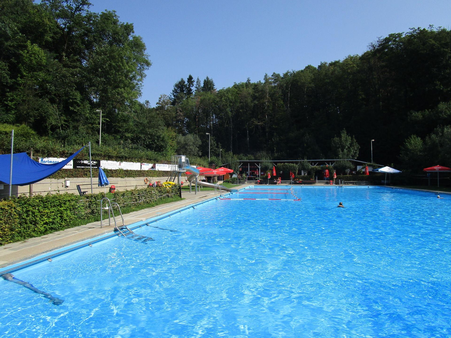 Freibad Gräfenberg Becken